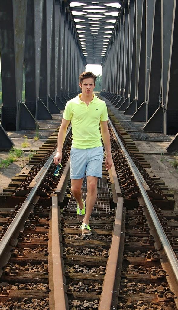 Neon on Rails Matthias Geerts